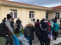 Ayvalık'ta 34 Afganistanlı Göçmen Ve 1 Organizatör Yakalandı