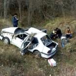Sinop'ta Otomobil Şarampole Uçtu Açıklaması 5 Yaralı