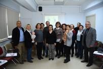 Büyükanne Ve Dedelere Maket Bebek Üzerinde 'Torunumu Beklerken' Eğitimi