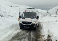 AKCİĞER HASTASI - Kar Nedeniyle Ulaşılamayan Hastanın Yardımına Karla Mücadele Ekipleri Yetişti