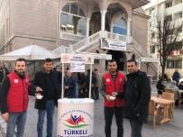 Türkeli'de Vatandaşlara Mevlana Şekeri Dağıtıldı