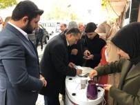 TÜRK KAHVESI - AK Partili Gençler Türk Kahvesi İkram Etti