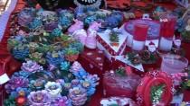 Alanya'da Kurulan Noel Pazarı'na Yoğun İlgi