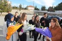 Ruhsar Pekcan - Bakanlar, Demirci'de Pazar Esnafıyla Buluştu