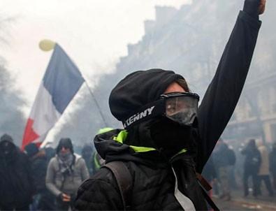 Fransa'daki genel grev üçüncü gününde
