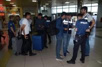 Balıkesir'de Polis 15 Aranan Şahsı Yakaladı