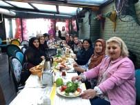 HOLLYWOOD - Duygu Koçak Çorumlu Kadınlarla Kahvaltıda Buluştu