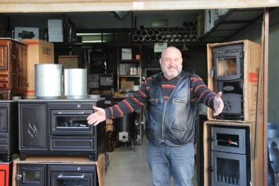 İzmir'de Bacalar Nostalji İçin Tütüyor