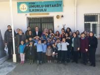 TİYATRO OYUNU - Sosyal Bilgiler Öğretmenliği Öğrencileri Minikleri Sevindirdi