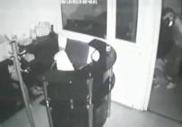 Bağcılar'da İş Hanından Hırsızlık Kamerada