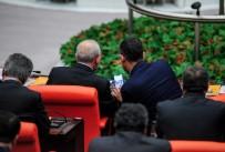 FUAT OKTAY - CHP Grup Başkanvekili Özel'in, Kılıçdaroğlu'na Gösterdiği Fotoğraflar Merak Uyandırdı