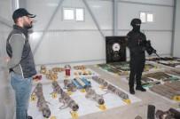 PLASTİK PATLAYICI - Diyarbakır'da PKK Cephaneliği Ele Geçirildi