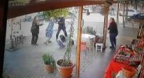 Öfkeli Baba, Kızını Dövmekle Suçladığı Kız Öğrencileri Böyle Kovaladı