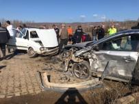 MURAT ÇELIK - Simav'da Trafik Kazası Açıklaması 8 Yaralı