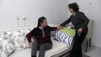 BÖBREK YETMEZLİĞİ - Ebeveyninden Aldığı Böbrekler De İflas Eden Pınar'ın Umudu Yeni Nakilde