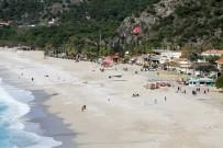 KUŞ BAKıŞı - Fethiye'de Sıcak Hava Keyfi