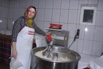 ZEYTIN DALı - Kadın Fırıncı Odun Ateşinde Köy Ekmeği Üretiyor