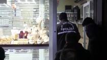 MEHMET CAN - Kuyumcu Dükkanına Duvarı Delerek Giren Hırsızlar 10 Kilogram Altın Çaldı