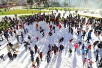 PAMUK ŞEKER - Manavgat'da Çocukların Kamyon Kamyon Kar Coşkusu