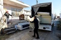 KOLTUK TAKIMI - Muratpaşa'dan Görmeyen Gözlerle Çöp Toplayan Yaşlı Adama Yardım Eli