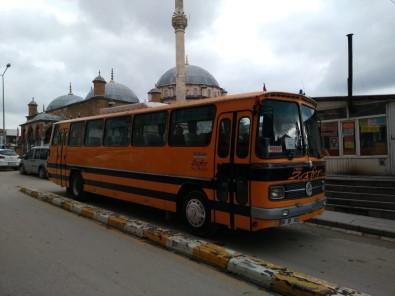 Baba Yadigarı Otobüsü Ücretsiz Cenaze Hizmetlerinde Kullanıyor