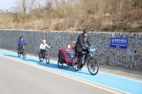 Çocukları İle Avrupa'da 6 Ülke Gezen Aile, Bisikletle Dünya Turuna Çıkmayı Hedefliyor