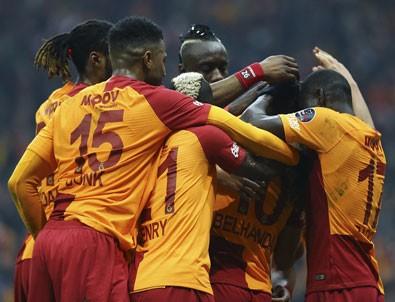 Galatasaray zirveyle farkı indirdi