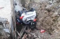ESENTEPE - Otomobil Kanal İnşaatına Devrildi Açıklaması 1 Yaralı
