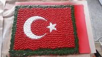 ZEYTİN AĞACI - Zeytin Çekirdeklerinden Türk Bayrağı Tasarladılar