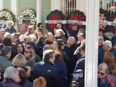 Başkan Atabay'ın Annesi İstanbul'da Defnedildi