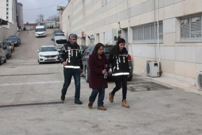 Çantasında Metamfetamin İle Yakalanan Kadın Tutuklandı
