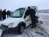 Erzurum'da Trafik Kazası Açıklaması 2 Yaralı