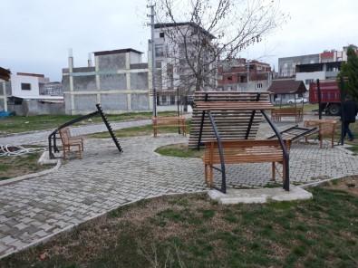 Hocalı Şehitleri Parkı Saldırganların Hedefi Oldu