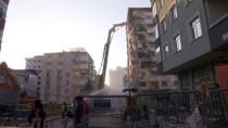 Murat Kurum - Kartal'da Riskli Binanın Yıkımı Sürüyor