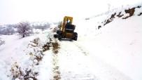 Malatya'da Kar Nedeniyle Kapanan Yollar Ulaşıma Açıldı