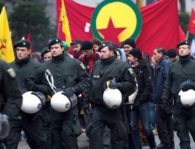 Almanya'da PKK'ya darbe!