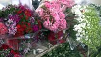 KIRMIZI GÜL - Çiçek Mezatlarında Sevgililer Günü Hareketliliği