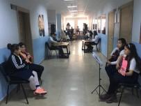 BAĞLAMA - Okul Koridorunda Sanat Atölyesi