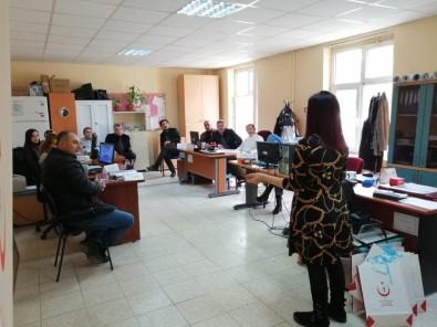 Sağlık Çalışanlarına Etkili İletişim Eğitimi Verildi