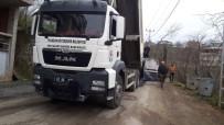 Büyükşehir Belediyesi Kaşüstü'nde Asfaltlama Çalışmalarına Başladı