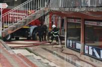 SÜMERLER - Hatay'da Korkutan Ev Yangını