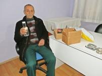 KARADENIZ - Telefon Kazandığını Sandı, Paketten Su Şişesi Çıktı