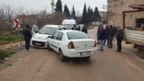 KUREYŞ - Yavuzeli'nde İki Araç Kafa Kafaya Çarpıştı Açıklaması 3 Yaralı