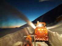 YAĞAN - Ekiplerin Karla Mücadelesi Sürüyor