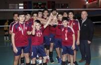 YAĞMURLU - Gazi Ortaokulu, Namağlup Şampiyon