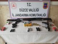 RUHSATSIZ SİLAH - Jandarmadan Ruhsatsız Silah Baskını
