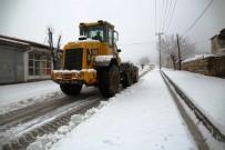 Lice'de Kar Yağışı Hayatı Olumsuz Etkiledi
