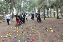 TIRMANMA DUVARI - Öğrenciler 'Oyna, Öğren, Yaşa' Projesi İle Özgüven Kazanıyorlar