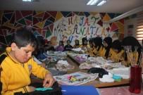 Öğrenciler Tasarımını Yapıyor, Anneleri Çantaya Dönüştürüyor