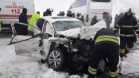 Otomobil İle Otobüs Çarpıştı Açıklaması 1 Ölü, 10 Yaralı